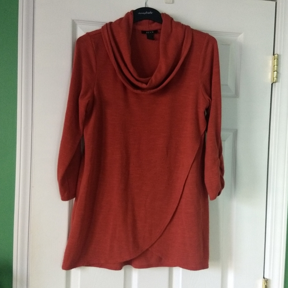 Sweater-like Tunic